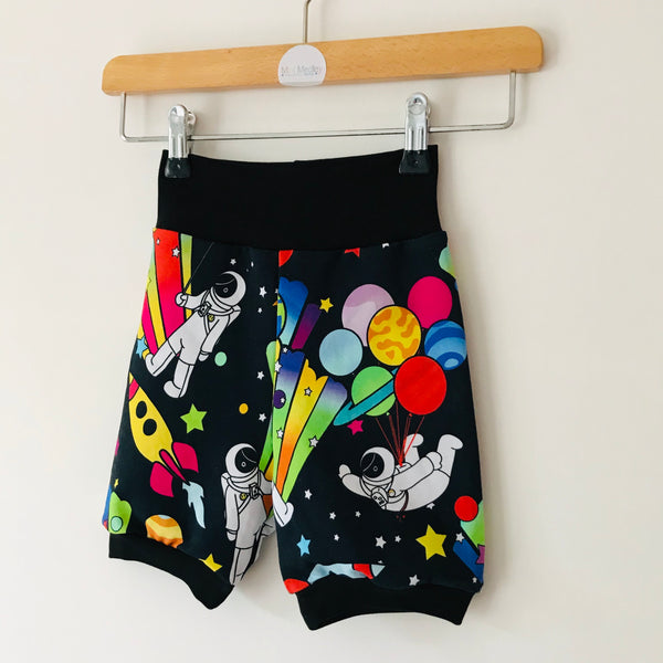 Party planet cycling shorts