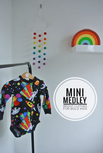 Party planets spaceman Mini Medley exclusive print baby / children's vest