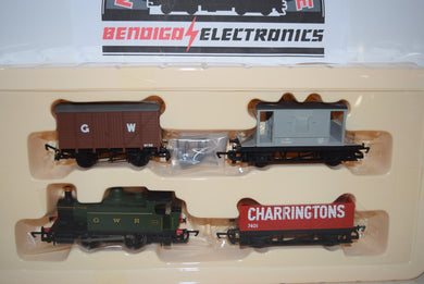 Hornby R2670 RAILROAD TRAIN PACK LOCO AND 3 WAGONS SEALED