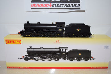 Hornby R3090X BR 2-8-0 THOMPSON CLASS 63789 DCC FITTED