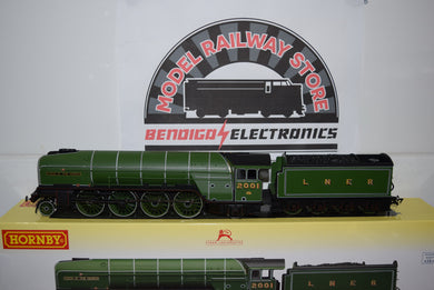 Hornby R3207 LNER 2-2-2 CLASS P2 COCK O THE NORTH DCC READY