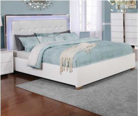 COASTER 205201 TRAYNOR WHITE PLATFORM BED WITH L.E.D.
