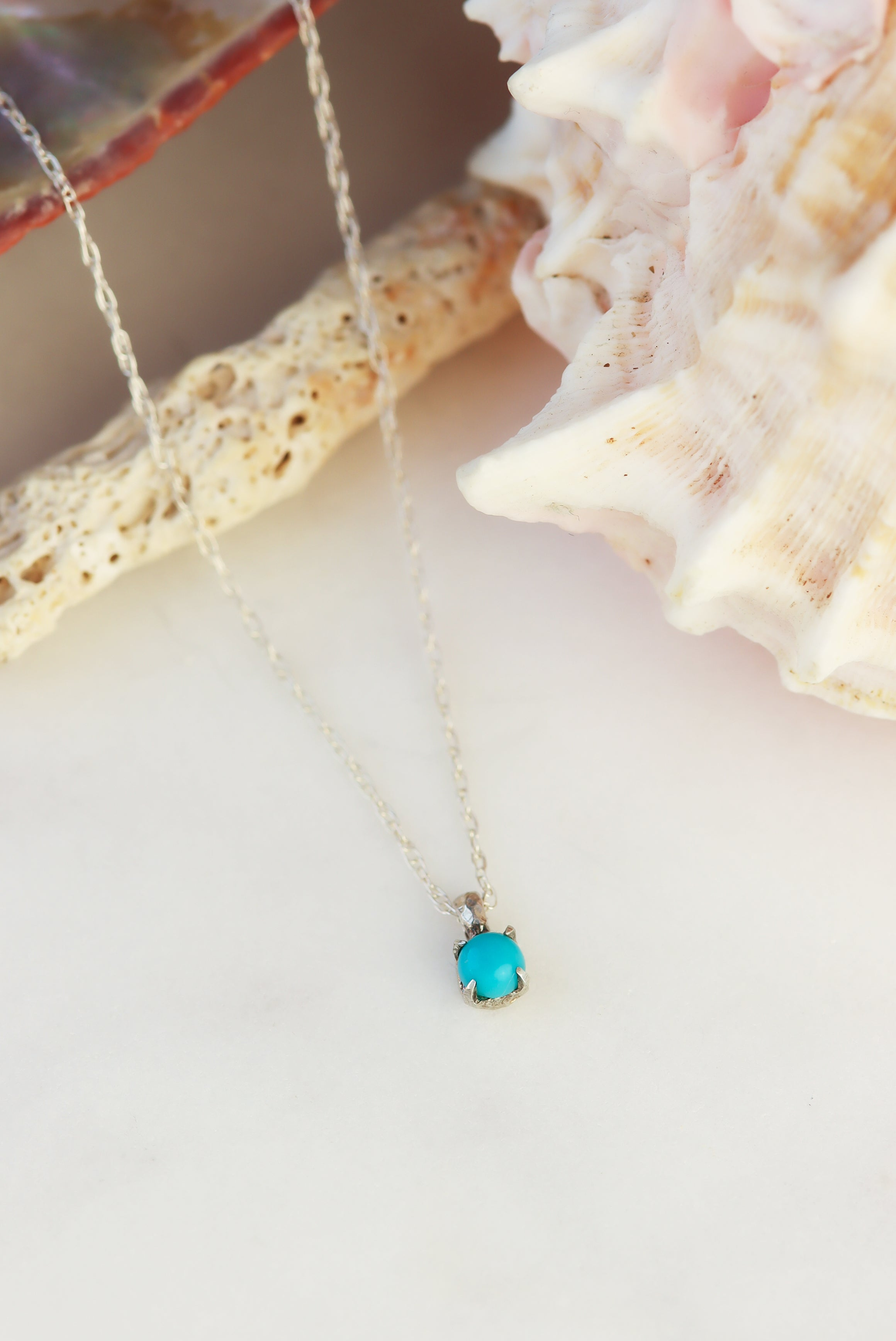 3-Must-Have-Necklaces-For-Your-Next-Beach-Visit-turquoise-sterling-silver-necklace
