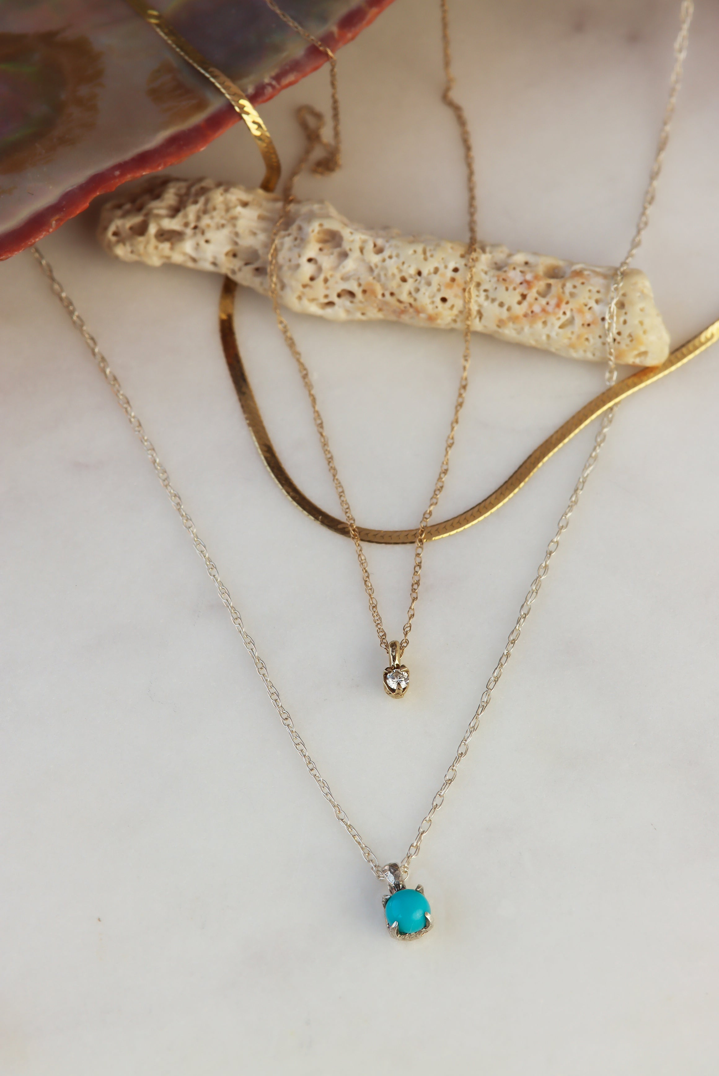 3-Must-Have-Necklaces-For-Your-Next-Beach-Visit