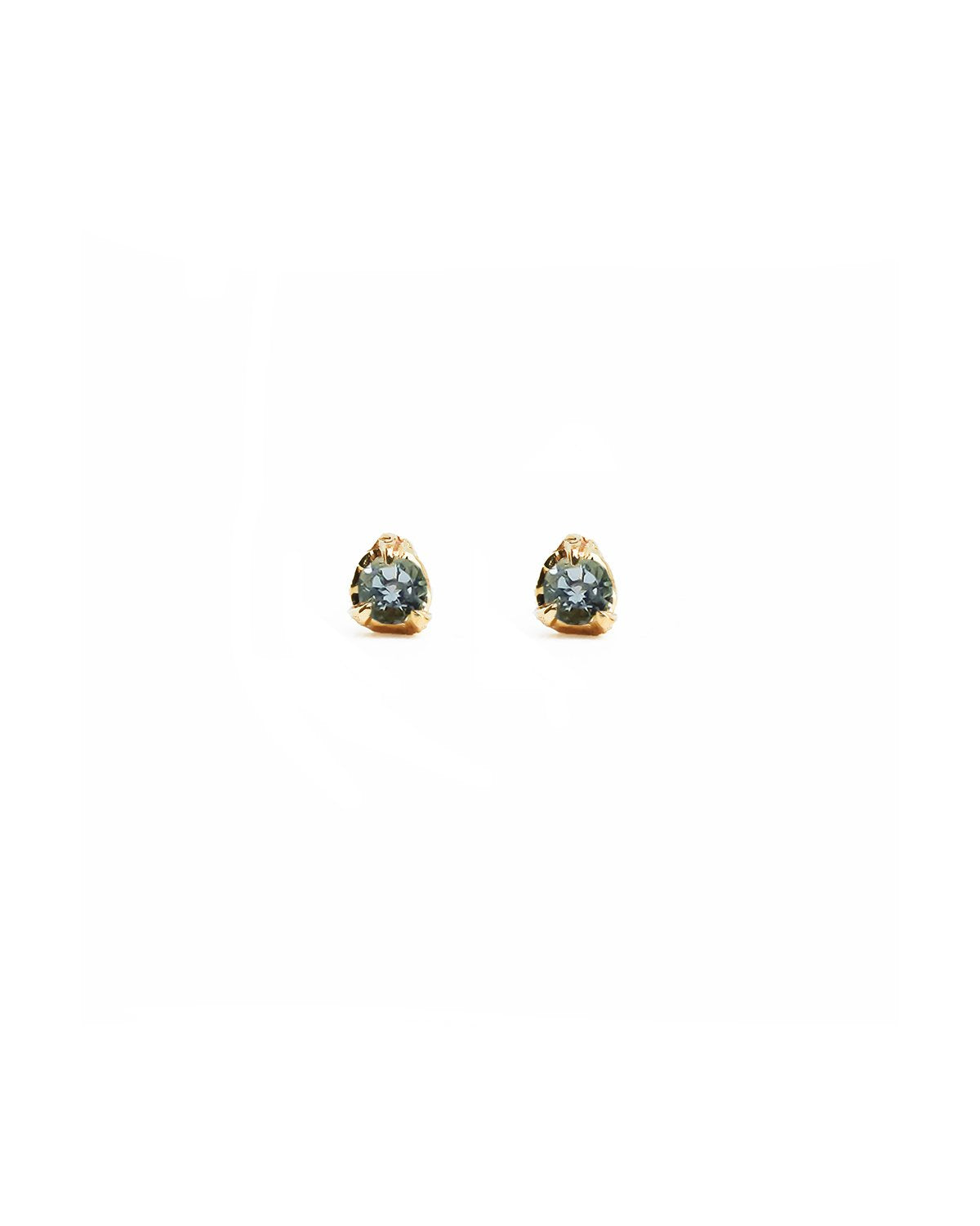 aquamarine-stud-earrings-gold