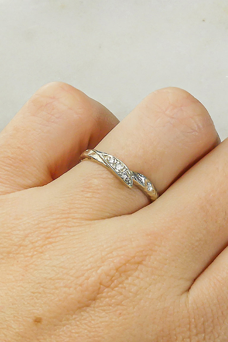 rustic-nature-inspired-wedding-band