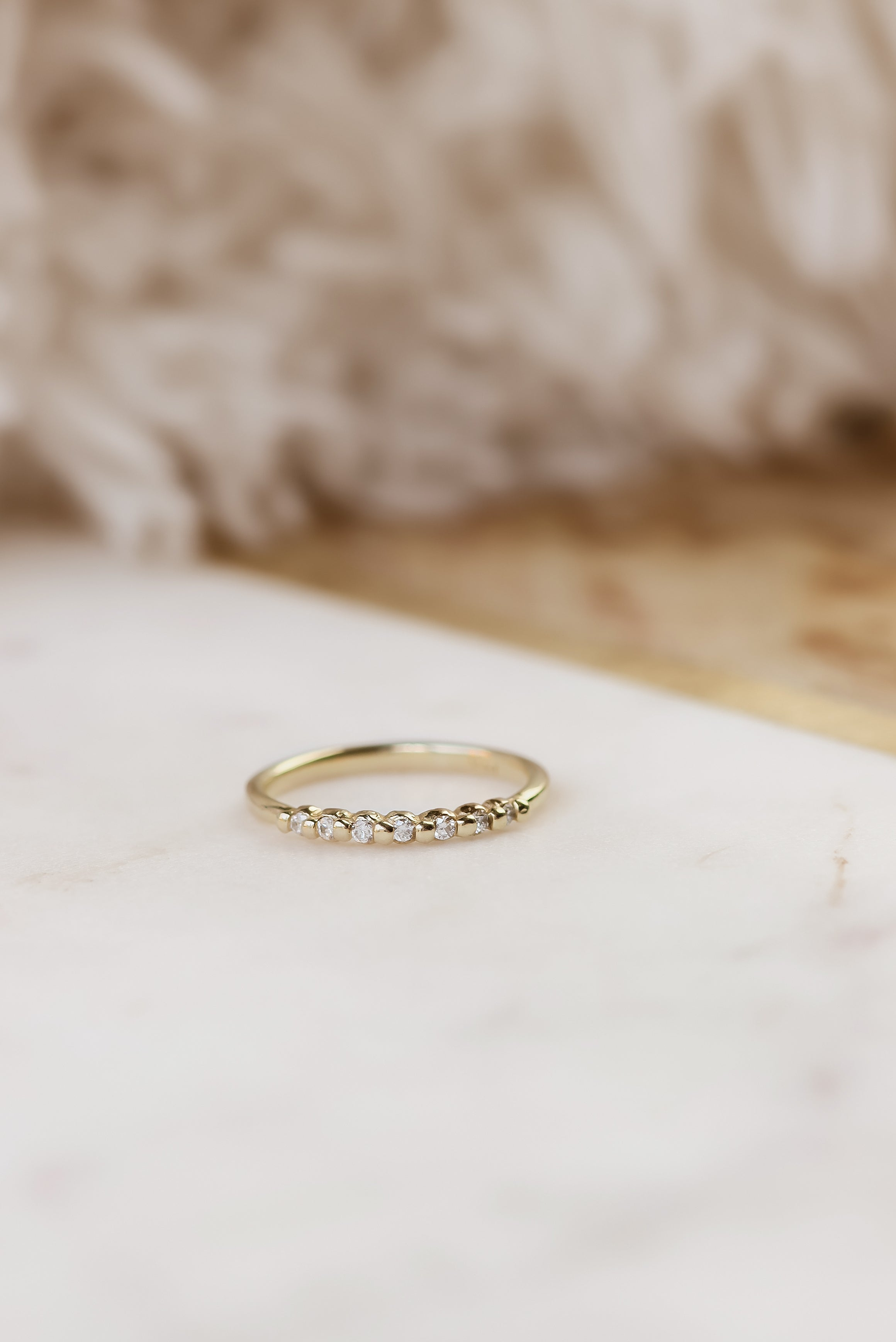 solid-gold-7-diamond-band