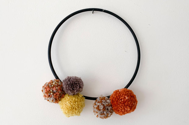 WOMP Couronne de pompons / pompom crown