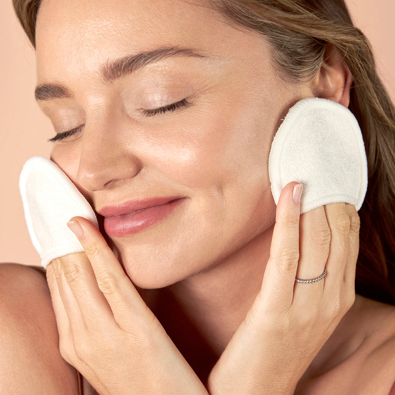 Miranda LOVES... these simple, soft, and sustainable Reusable Facial Cleansing Rounds as part of her daily skincare ritual. The Rounds are made with 70% bamboo and 30% organic cotton—so you can care for your skin while caring for the planet. Each Round is lovingly labeled for one day of the week, and is an ideal alternative for single-use cotton pads.