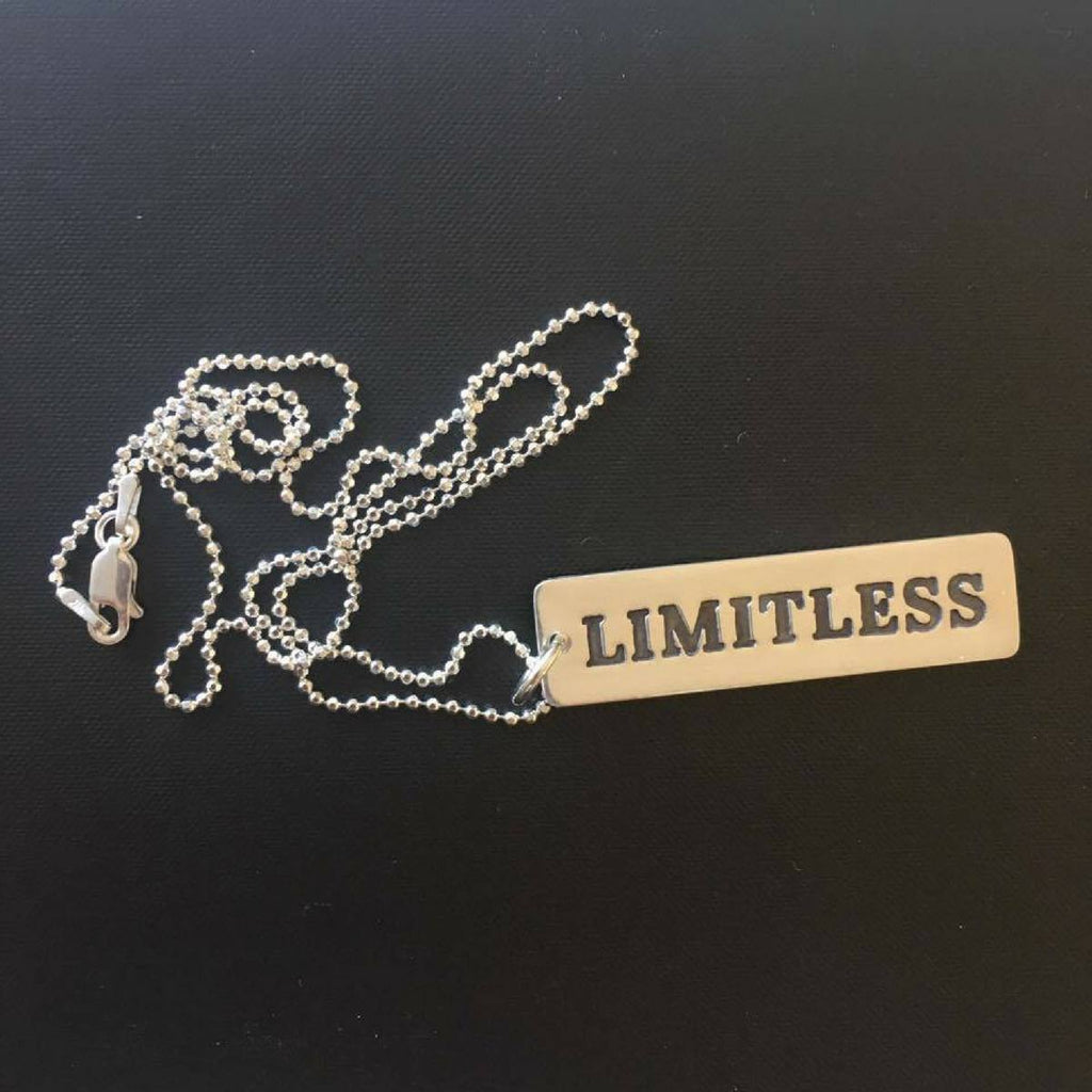LIMITLESS Pendant Necklace
