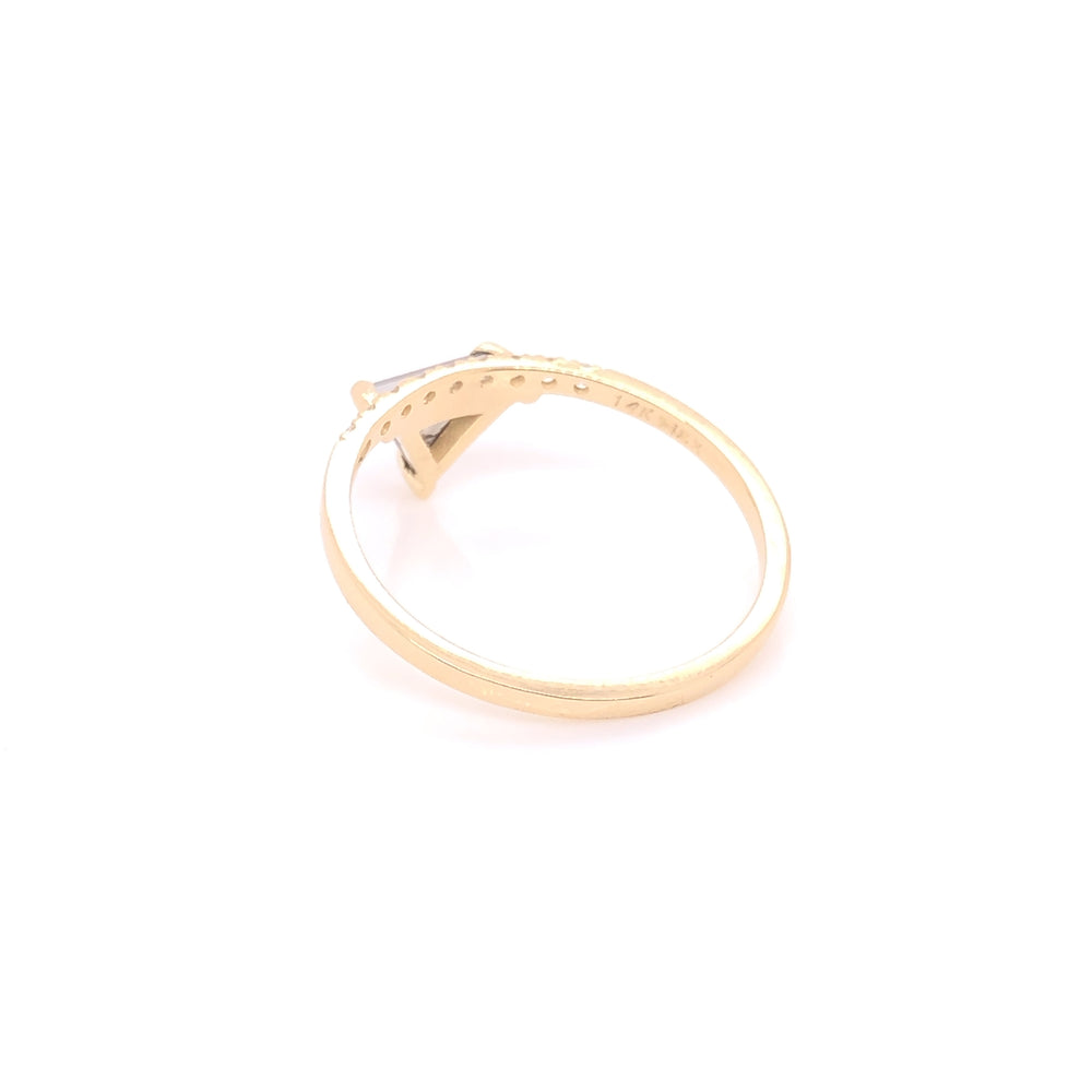 ENTREGA INMEDIATA / Anillo Diamante Salt & Pepper corte Triangular con diamantes / Oro amarillo 14k / Talla 7.25