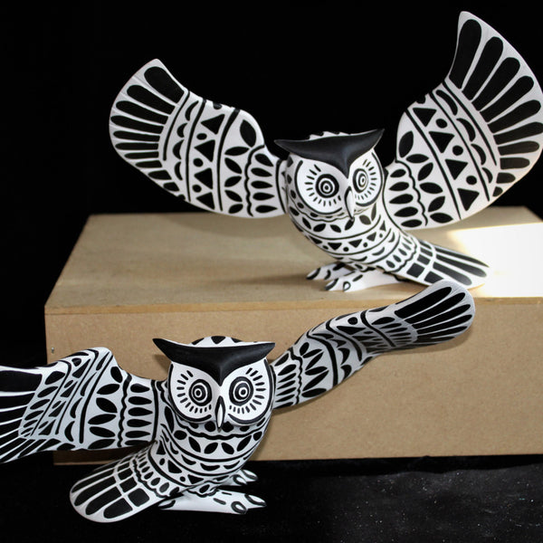 Oaxacan Carved Wood 3312--Luis Pablo Black/White Owl Pair