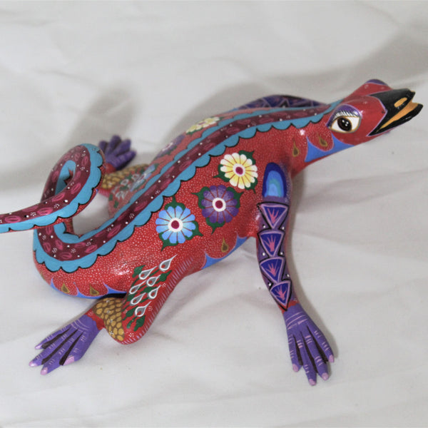 Oaxacan Carved Wood 3345--Angeles Lizard in Red