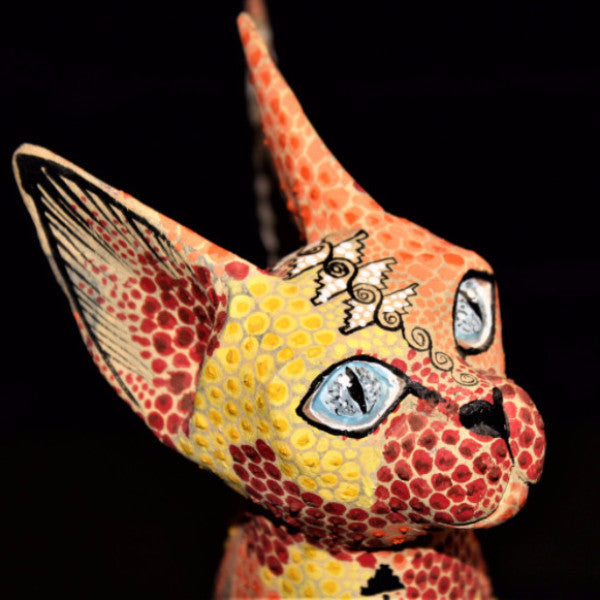 Oaxacan Carved Wood 3315---Tribes Mixes Wide-Eyed Cat