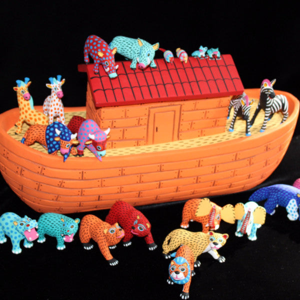 Oaxacan Carved Wood 3307----Luis Pablo Noah's Ark