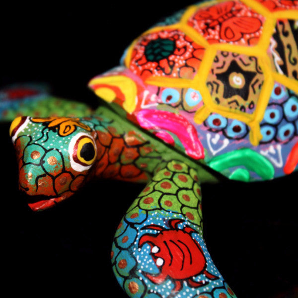 Oaxacan Carved Wood 3334---Turtle with Hexagrams