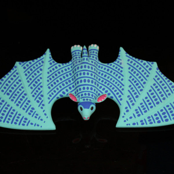 Oaxacan Carved Wood 3302---Luis Pablo Blue Bat