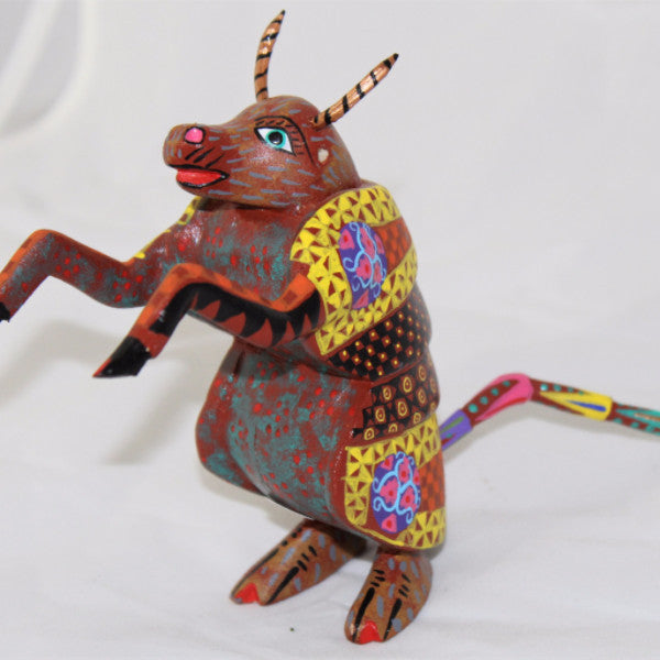 Oaxacan carved wood 3347--Bully Armadillo