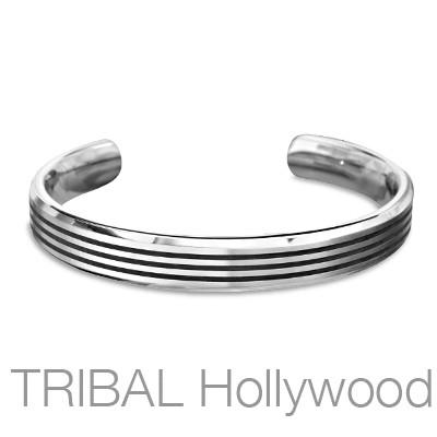 JETSTREAM Titanium Mens Cuff Bracelet with Thin Black Stripes