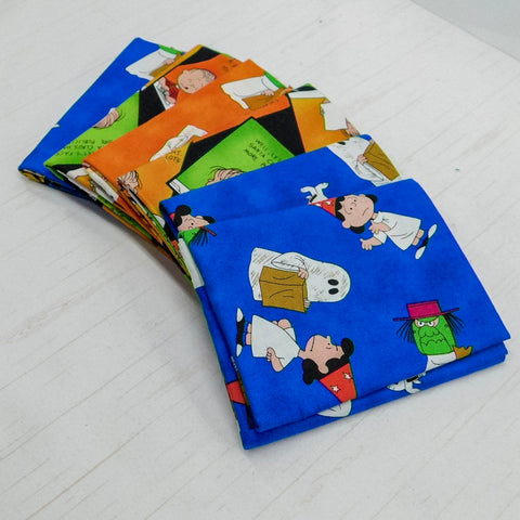 Precut Stash 6 Fat Quarter Bundle - Halloween - Charlie Brown (Peanuts)