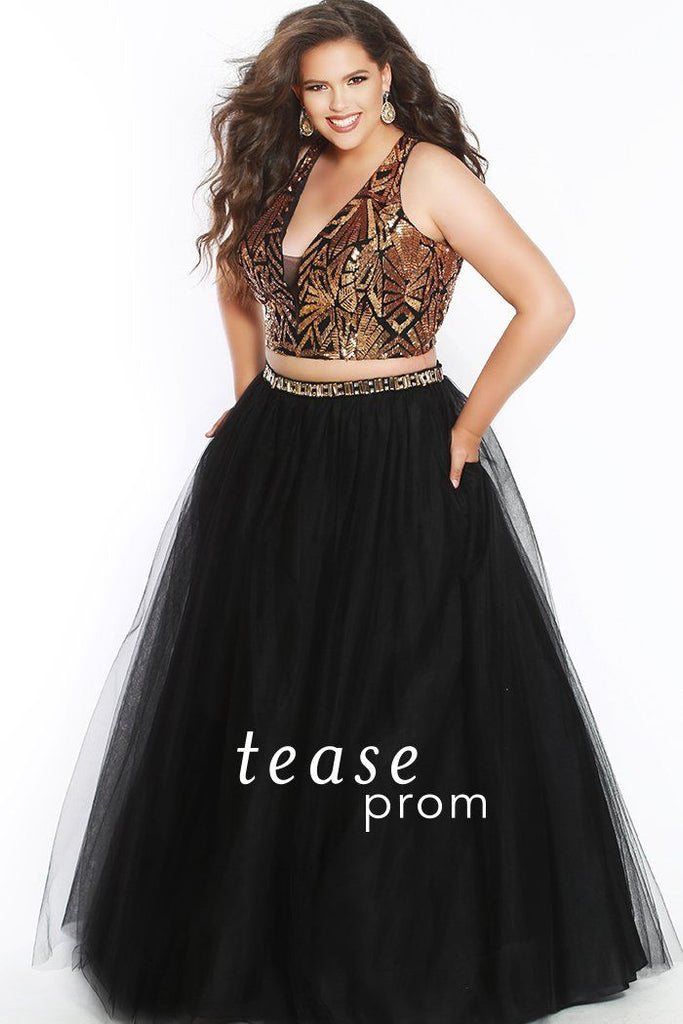 94677d7faf2 TE1833 in gold and black is a two piece with a sequined bodice has a deep