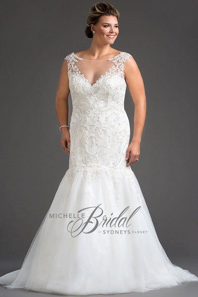 MB1801 has a fit and flare silhouette with a V-bodice with illusion mesh net and lace.  Center-back zipper with chapel train