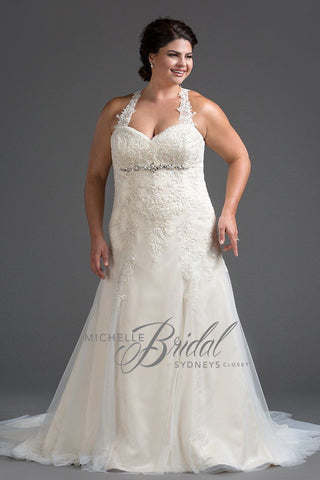 MB1710 has a sweetheart neckline with a fit and flare skirt.  Can be worn strapless or optional straps are included.