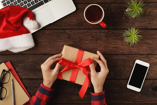 Why Corporate Gift Giving Is Not a Thing of the Past