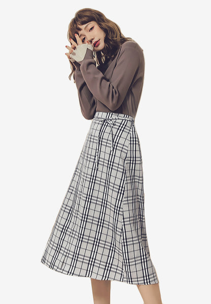 Stylishly Smart Plaid Midi Skirt