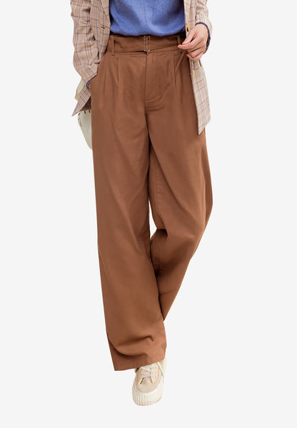 Minimalist Buckled Wide Leg Pants