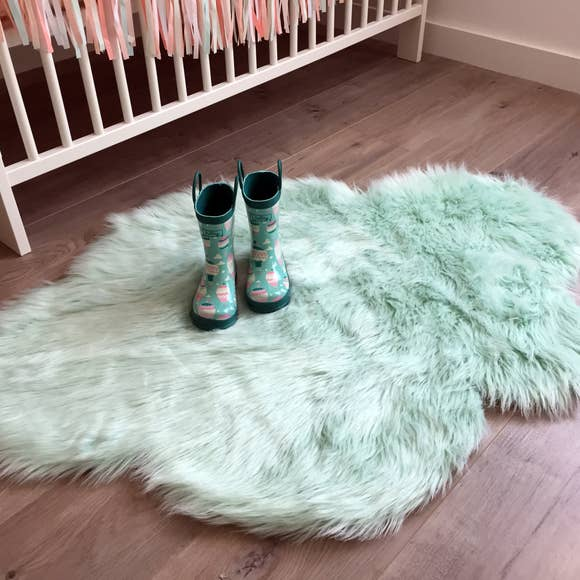 Bookoo Babies Faux Fur Cloud Rug - Mint