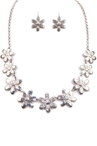 Flower Pendant Metal Necklace Set
