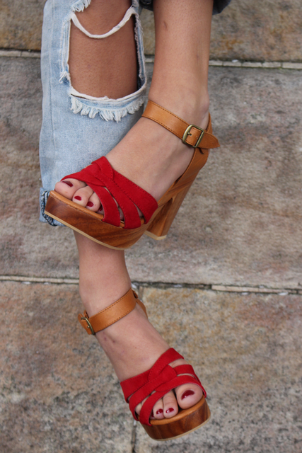 **PREORDER** SAGE SANDALS - RED SUEDE : DELIVERY LATE JANUARY