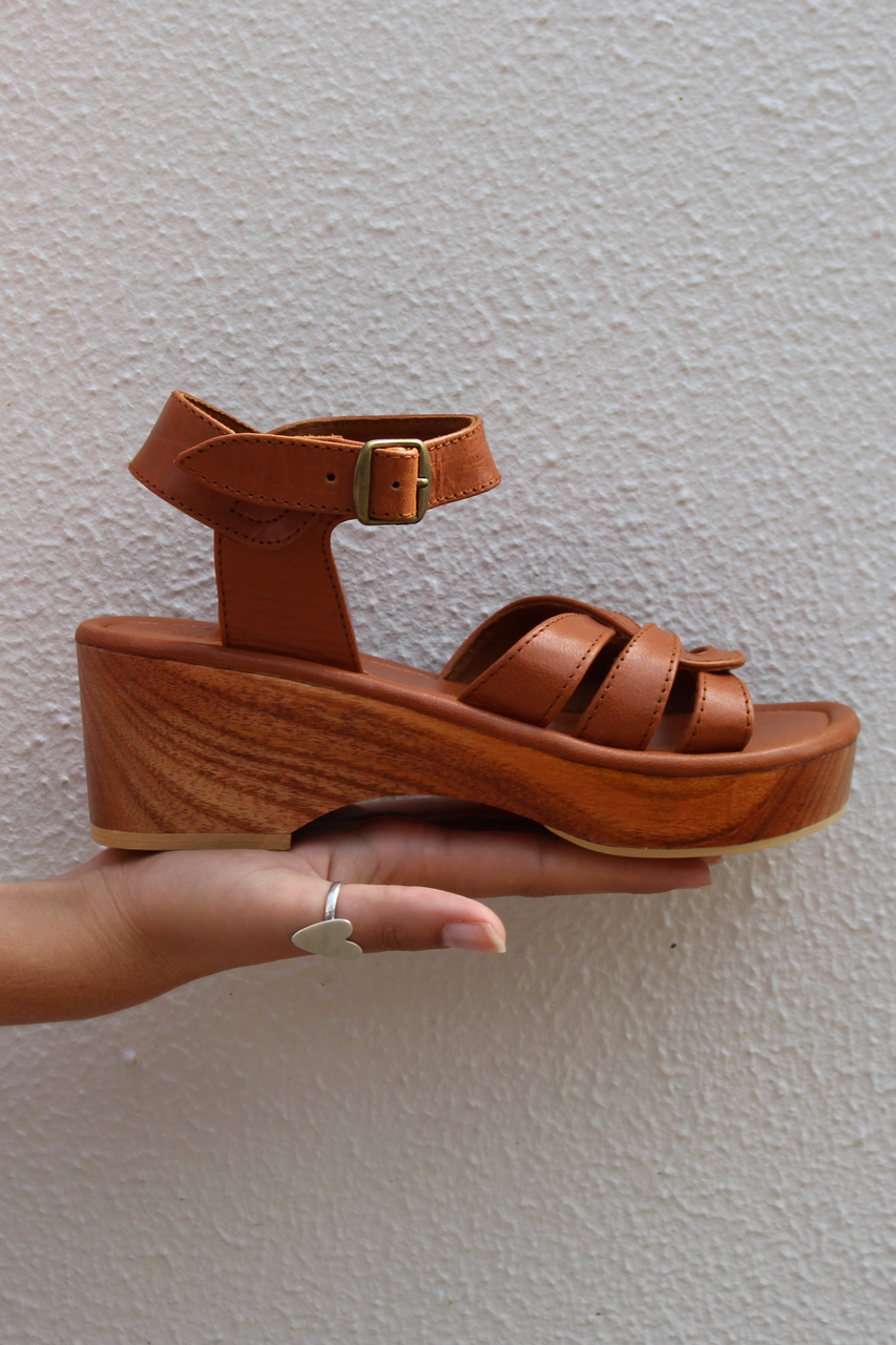 SAGE LOW PLATFORM SANDAL - TAN