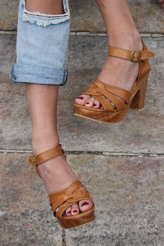 SAGE LEATHER HEEL : TAN