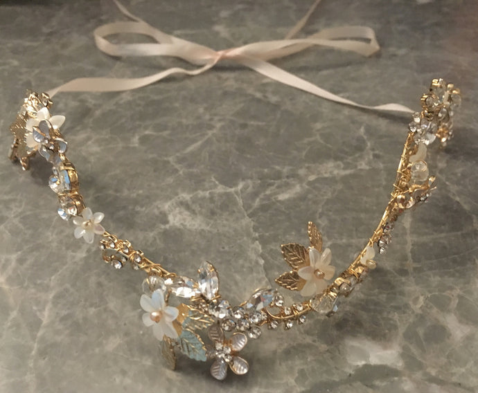 Structured, Boho style, Gold floral headpiece