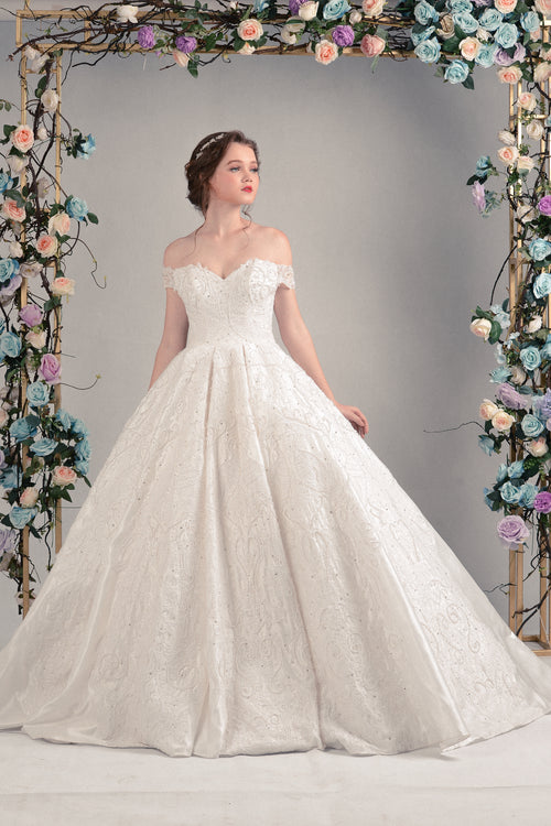 PEACOCK LOVERS LACE ART SATIN WEDDING DRESS