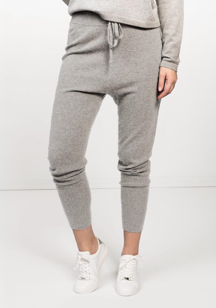Cashmere pants and jumpsuits, 100% cashmere