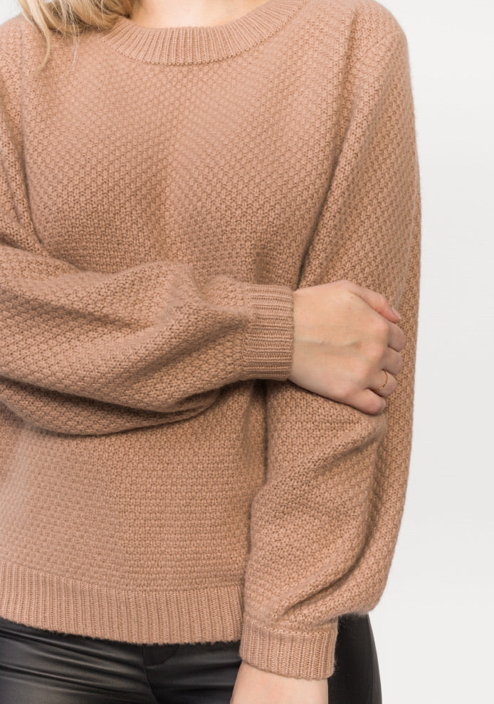 Sweaters in pure cashmere.
