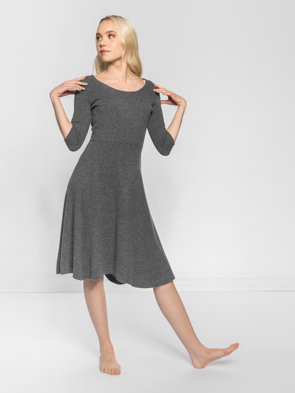 Cashmere dress Bella in 100% cashmere by Kashmina
