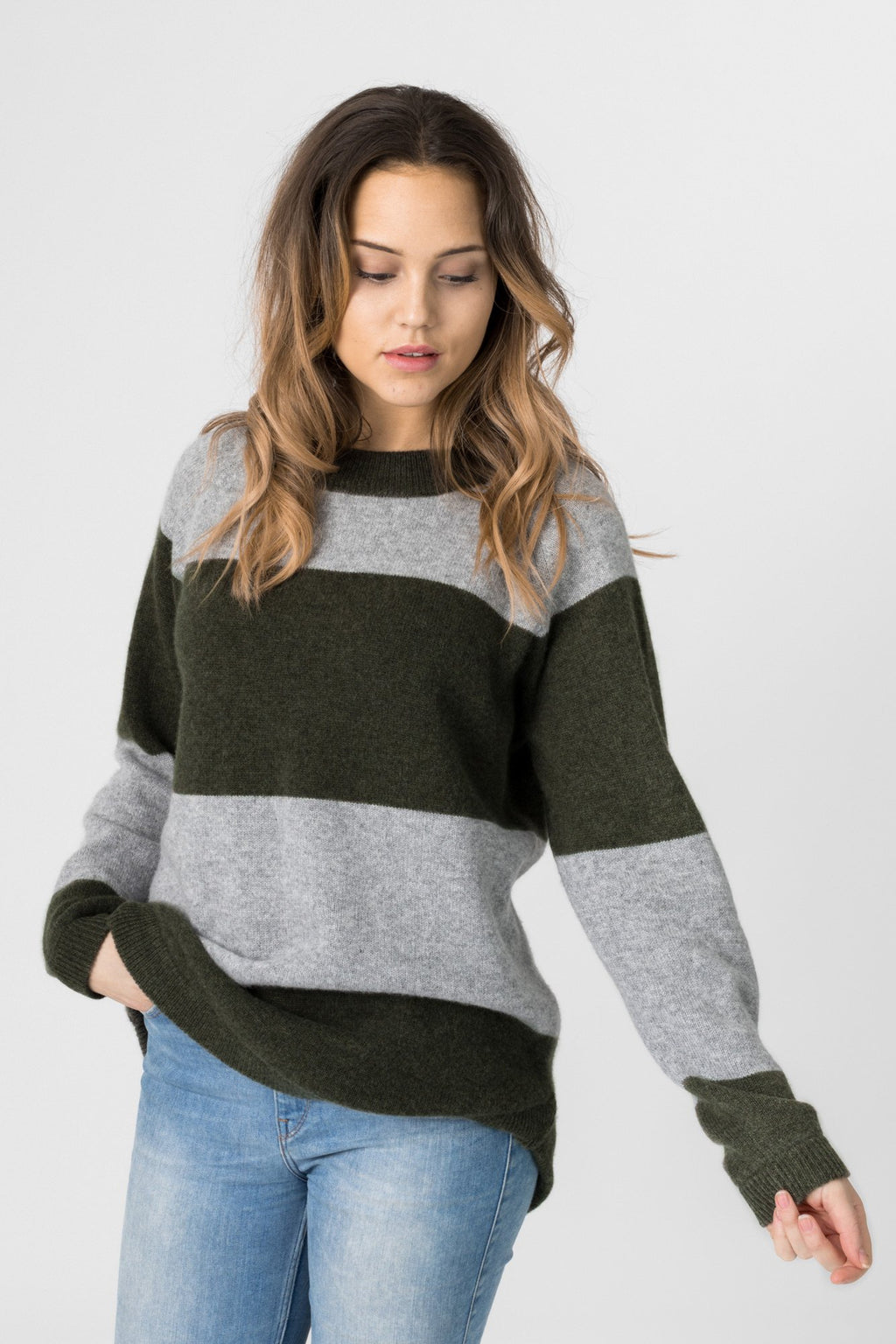 "Cashmere sweater ""Jannikesweater"" - army/grey"