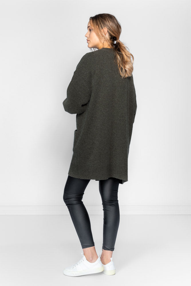 Cashmere cardigan in 100% cashmere by Kashmina