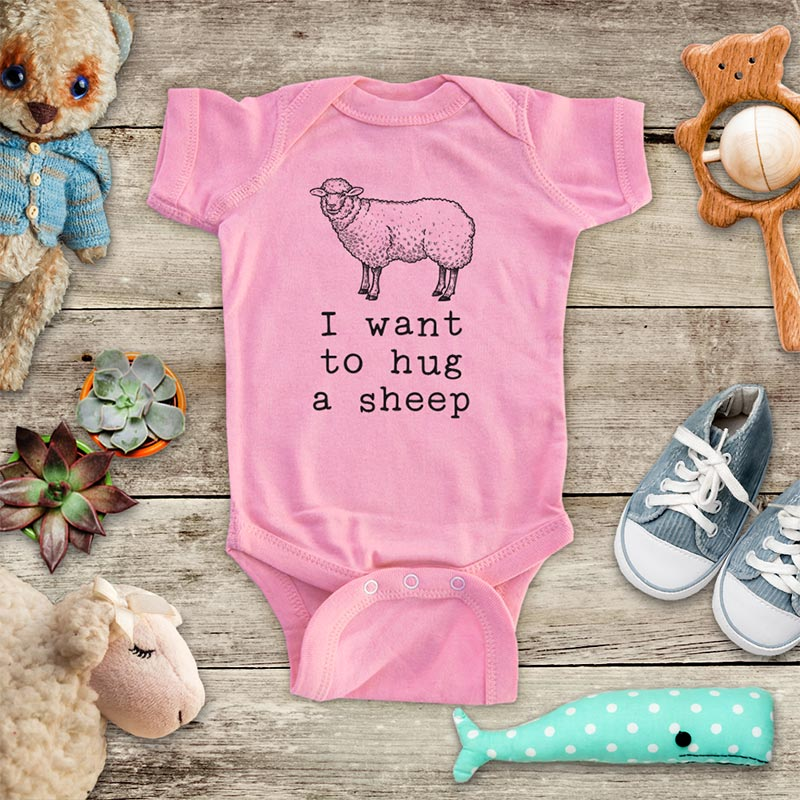I want to hug a sheep - cute pet farm animal zoo trip baby onesie kids shirt Infant & Toddler Youth Shirt