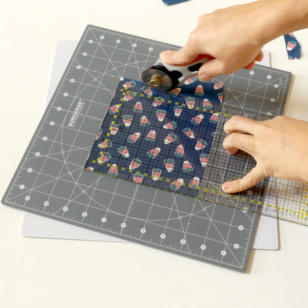"Rotating Cutting Mat 12"" x 12"""