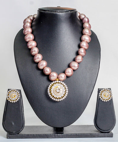 Stoned beads in peach - tmpfashion