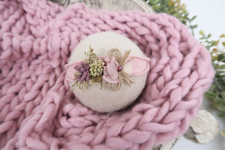 pink chunky knit baby blanket with matching flower headband photography prop