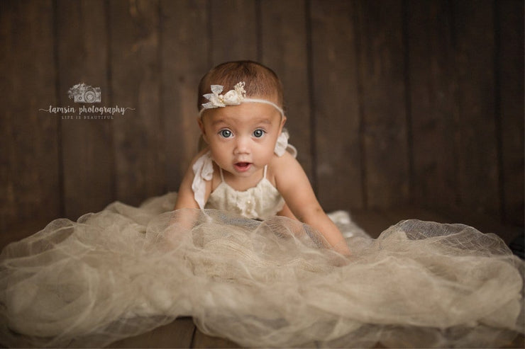 little girl crawling for baby pictures