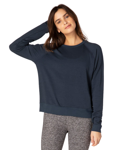 Beyond Yoga Cozy Fleece Favorite Raglan Crew Sweatshirt