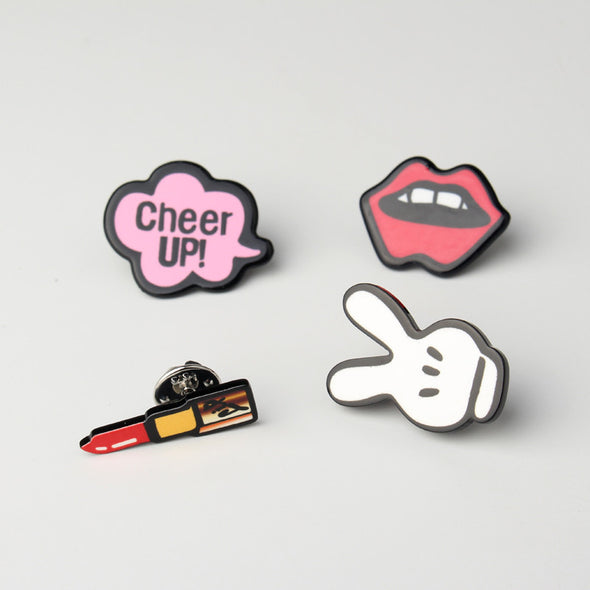 Set of 4 Acrylic Brooches - Lips, Lipstick, Victory, cheer up! - antianti