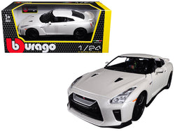 2017 Nissan GT-R R35 White 1/24 Diecast Model Car by Bburago